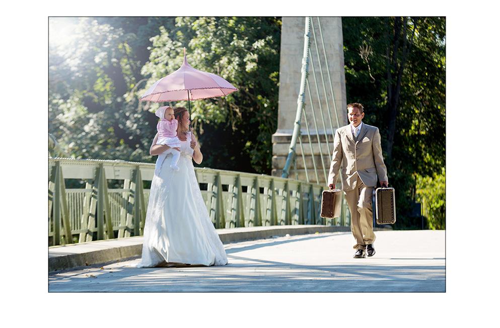 Brautpaar auf der Kabelbrück in Langenargen